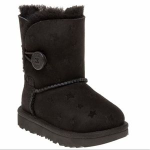 UGG♥️Bailey button stars toddler Sz 9